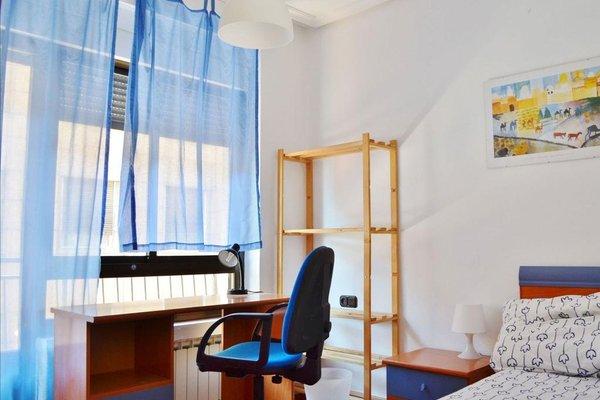 Roomin Hostel - 14