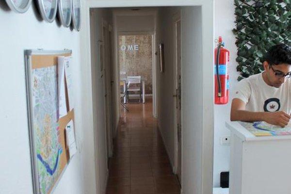 Roomin Hostel - 20