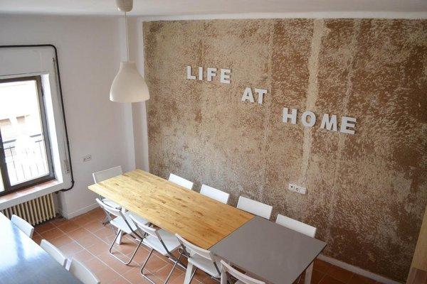 Roomin Hostel - 22