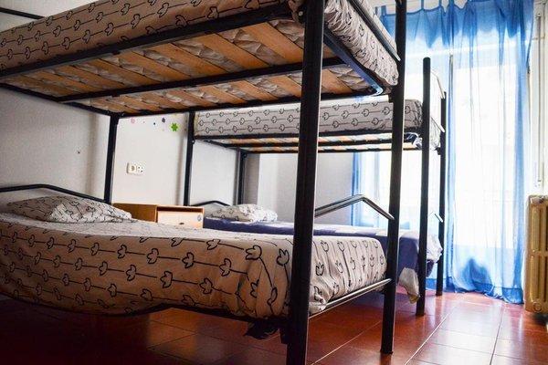 Roomin Hostel - 7