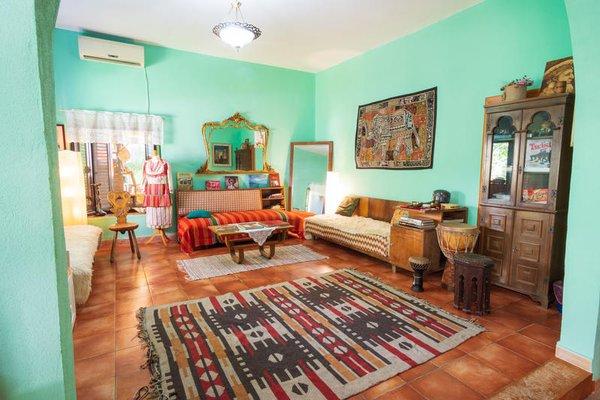 Shkodra Backpackers Hostel - Mi Casa es Tu Casa - фото 13