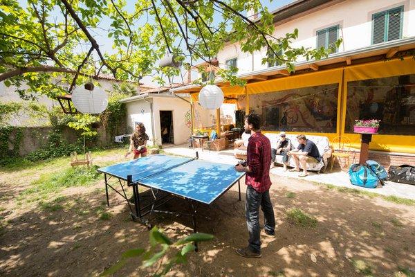 Shkodra Backpackers Hostel - Mi Casa es Tu Casa - фото 22
