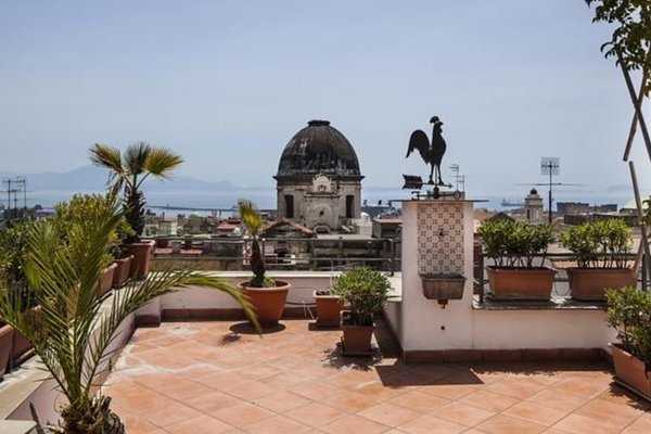 Naples Center Apartment - фото 15