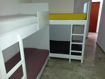 Hostel Fira backpackers place
