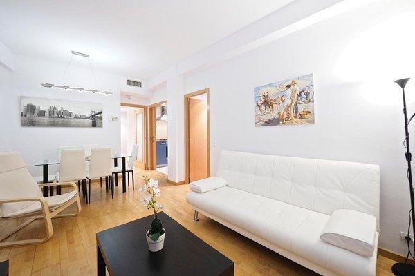Suites Barcelona Park Guell - 50