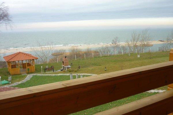 Виллы Янтарное Озеро - фото 12