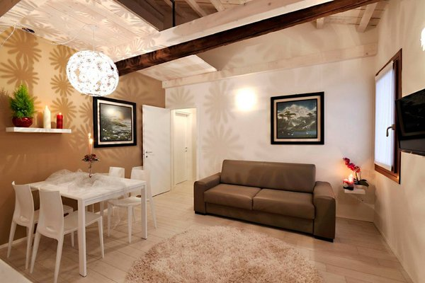 Canal View Apartment - фото 4