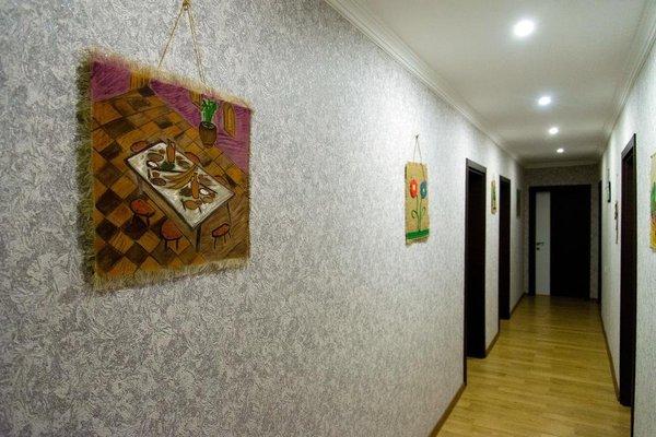 Zuzumbo Hotel - фото 17