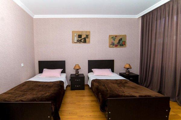 Zuzumbo Hotel - фото 4