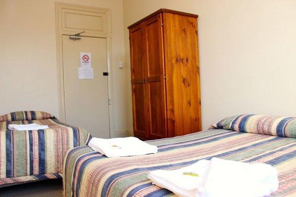 Railway Hotel - 5