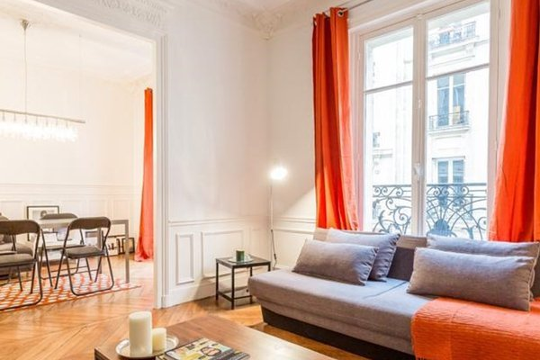 Cosy Champs-Elysees Ternes Flat for 4 - 23