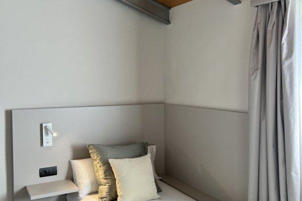 SAN VALERO HOTEL - фото 3