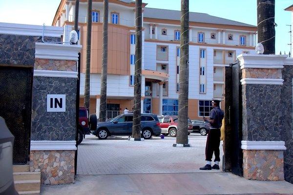 R & A City Hotel - фото 21