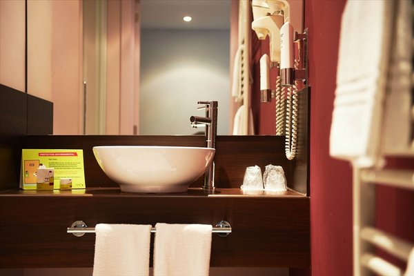 Hotel Husa De La Couronne Liege - фото 7