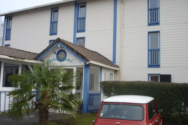 Budget Hotel - Melun Sud Dammarie Les Lys - фото 23