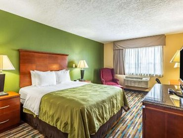 Апартаменты Los Lunas Inn and Suites