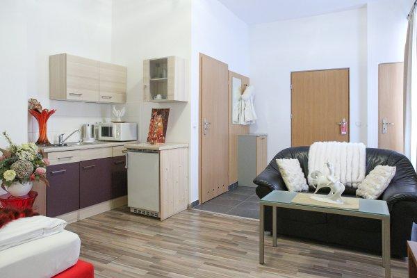 Queens Apartments - фото 20