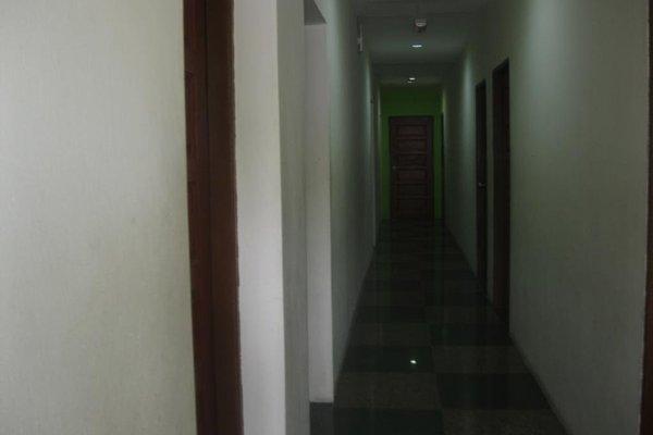 1 Baron Motel - 16
