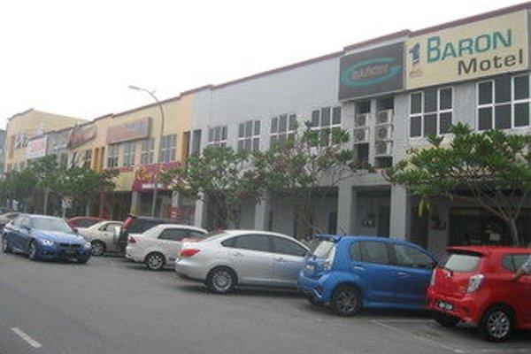 1 Baron Motel - 21