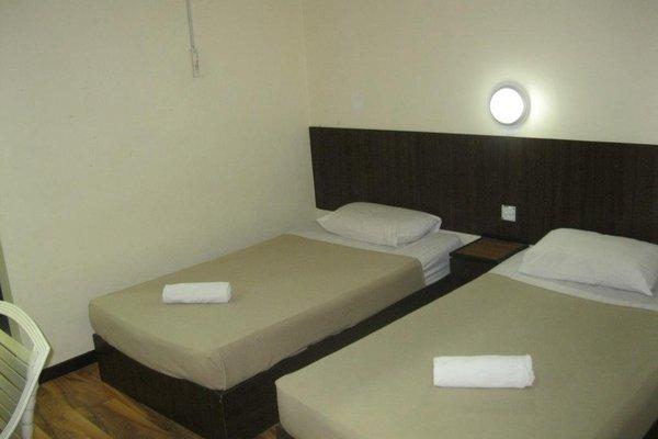 1 Baron Motel - 4