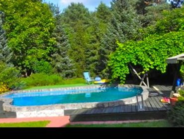 Apartments 3 Bedroom House with Pool Just Outside Warsaw
