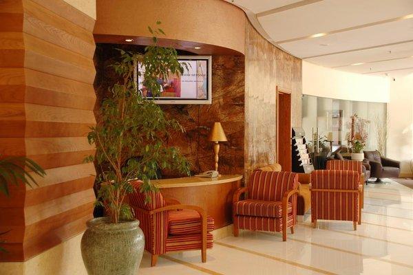 Avenue Hotel Dubai - фото 9