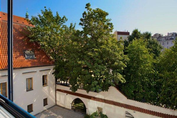 Franciscan Garden Apartments - фото 22