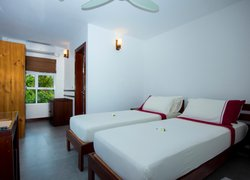 Ariston Dhangethi Inn фото 2