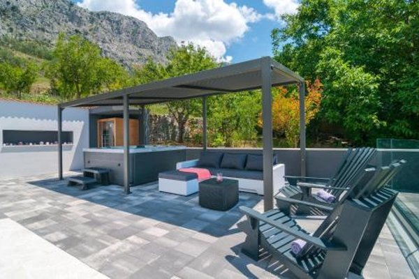 Holiday home Omis 41 with Outdoor Swimmingpool - фото 10