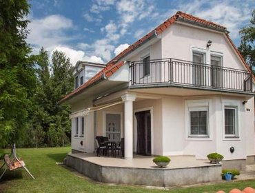 Guesthouse Holiday home in Balatonmariafurdo 19513