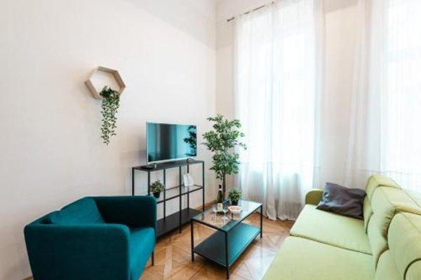 Hybernska Apartments - 11