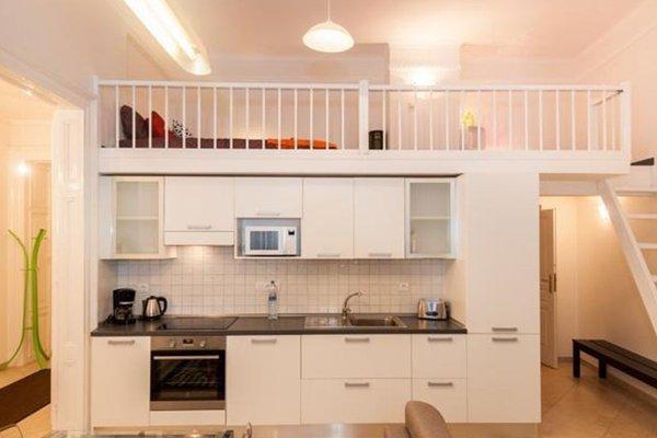 Hybernska Apartments - 19