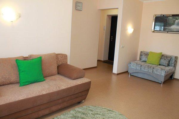 Подушка Апартаменты на Амурском Бульваре - фото 7