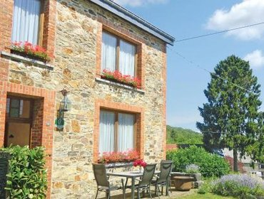 Guesthouse Holiday home Haut-Fays with a Fireplace 220