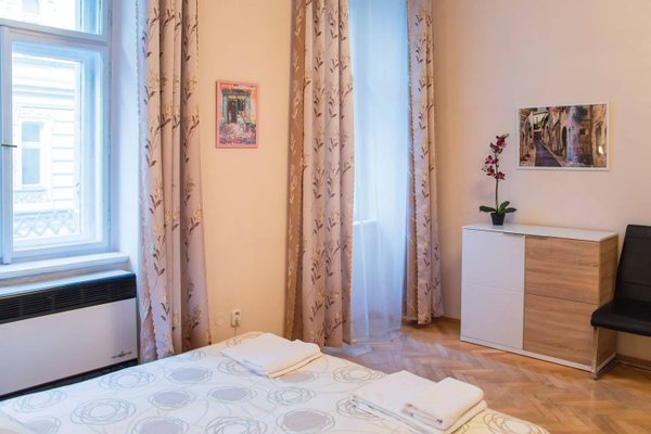Modern Apartment Krakovska - фото 17