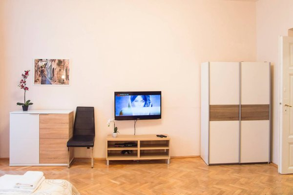 Modern Apartment Krakovska - фото 6