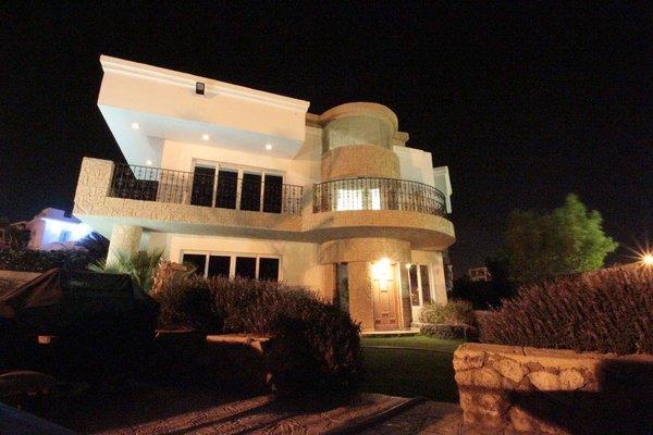 Villa Sharm - Luxury Beach Side Private Villa - 9