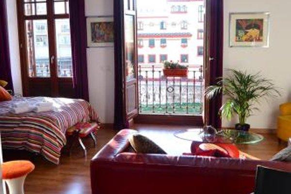 Shiny Malaga Apartments - 4