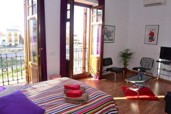 Shiny Malaga Apartments - 7