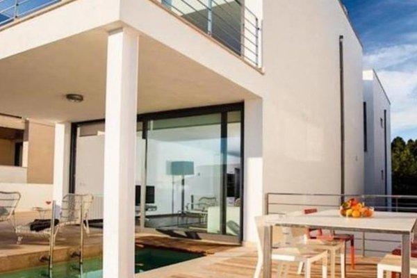 B Only Beach House - 10