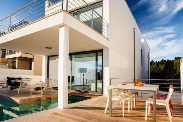 B Only Beach House - 5