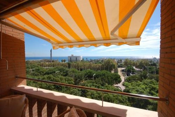 Lets Holidays Apartment Sea Views in Barcelona - фото 13