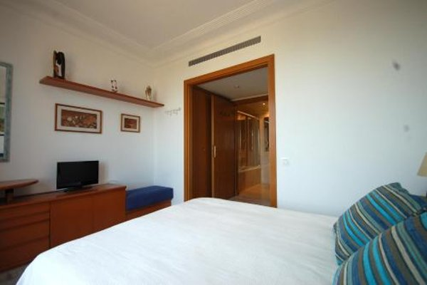 Lets Holidays Apartment Sea Views in Barcelona - фото 14