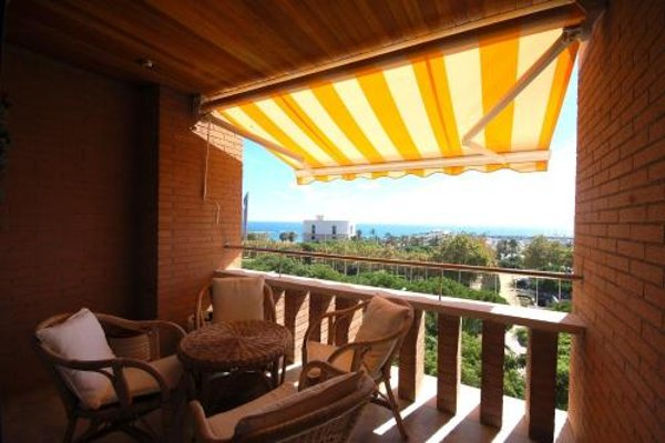 Lets Holidays Apartment Sea Views in Barcelona - фото 22