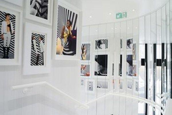 Hotel Ekta Champs Elysees - 17