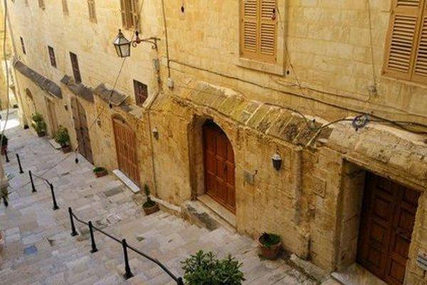 Valletta Luxury Palazzo - 11