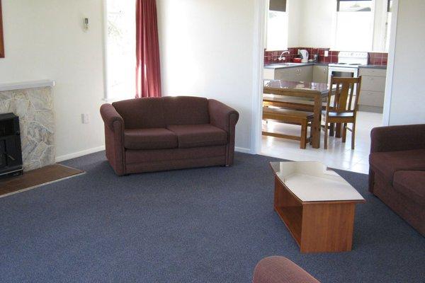 Tahuna Beach Kiwi Holiday Park and Motel - 6