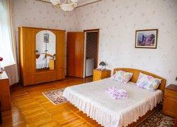 Фото 1 отеля Staryij Zamok Hotel - Алушта, Крым