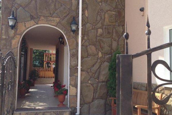 Гостевой дом с Рыцарем - 9