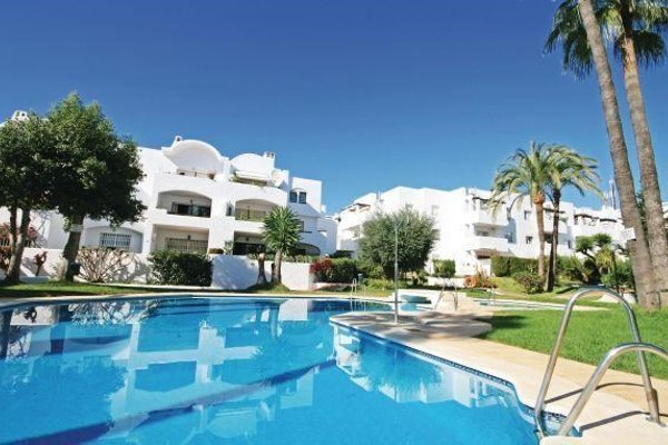 Two-Bedroom Apartment Estepona with an Outdoor Swimming Pool 09 - 10